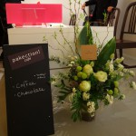 ギャラリーオーナーのハグルマ封筒さんからお花が届きました!ありがとうございます!